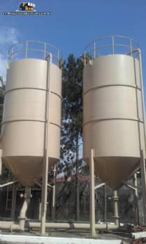 2 Tanks / silos encamisados of 20.000 litres